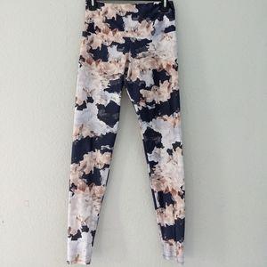 Onzie Floral Nomad blossom high rise leggings m/l